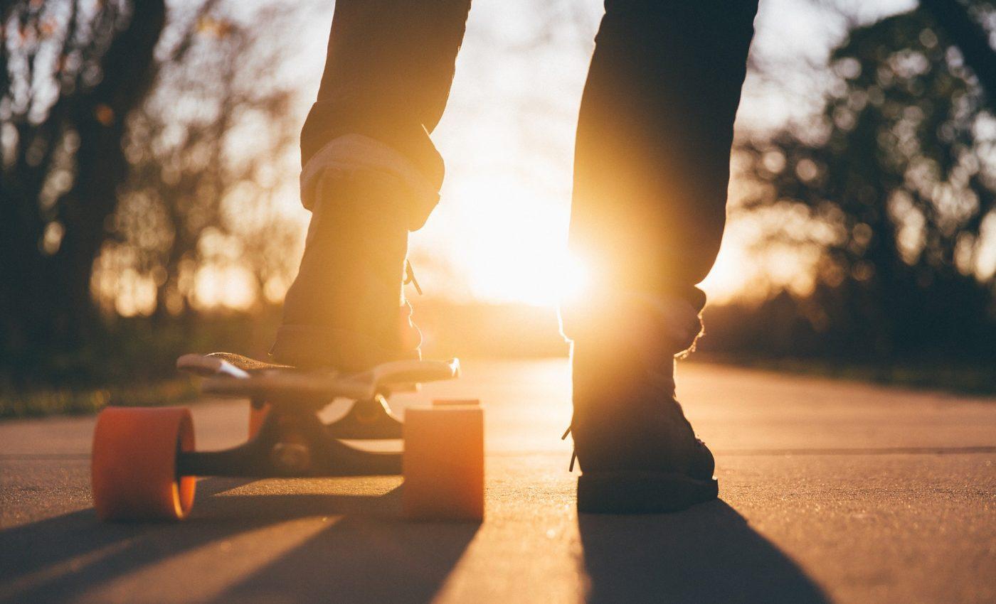 transformarile hormonale ale adolescentilor - sfatulparintilor.ro - pixabay_com - skateboard-1869727_1920