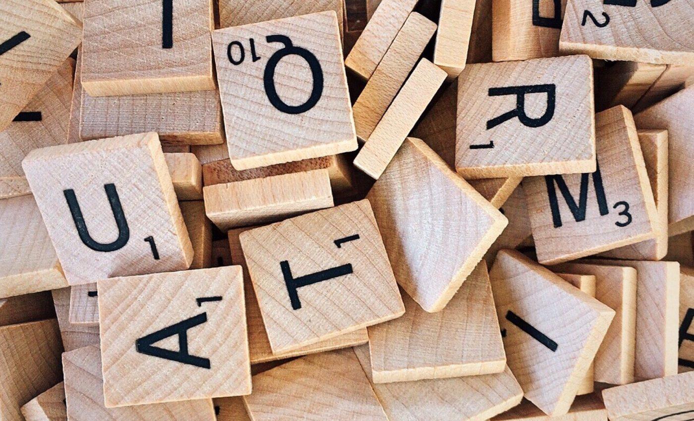 numerologia numelui - sfatulparintilor.ro - pexels_com - alphabet-board-game-bundle-close-up-278888