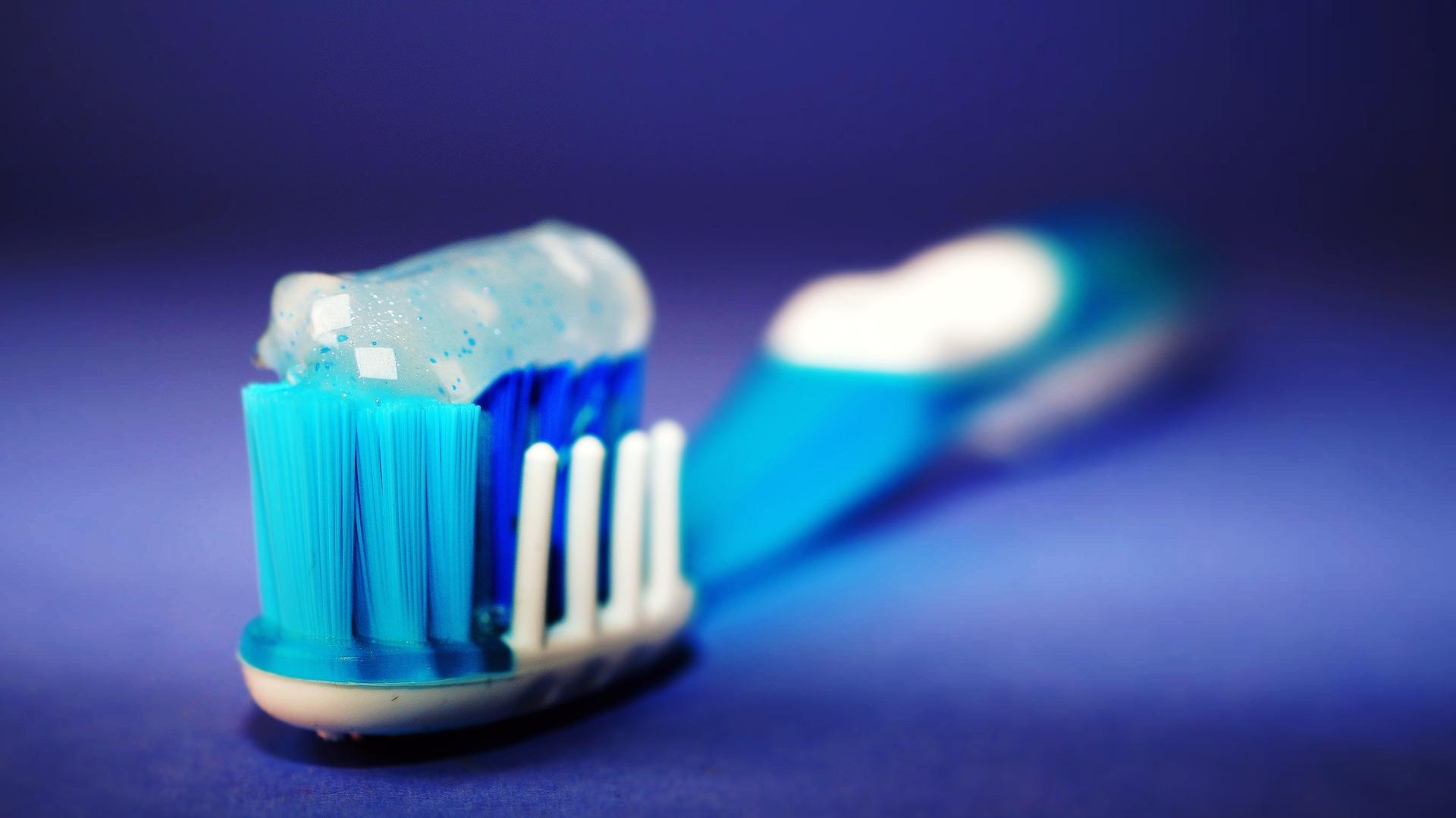 pastă de dinți - sfatulparintilor.ro - pixabay_com - toothbrush-2589480_1920