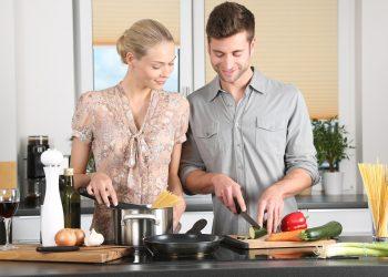 metode de gatit sanatos - sfatulparintilor.ro - pixabay_com - woman-1979272_1920