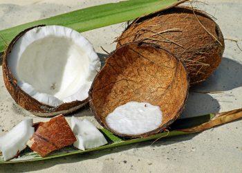 Cum te ajuta uleiul de cocos