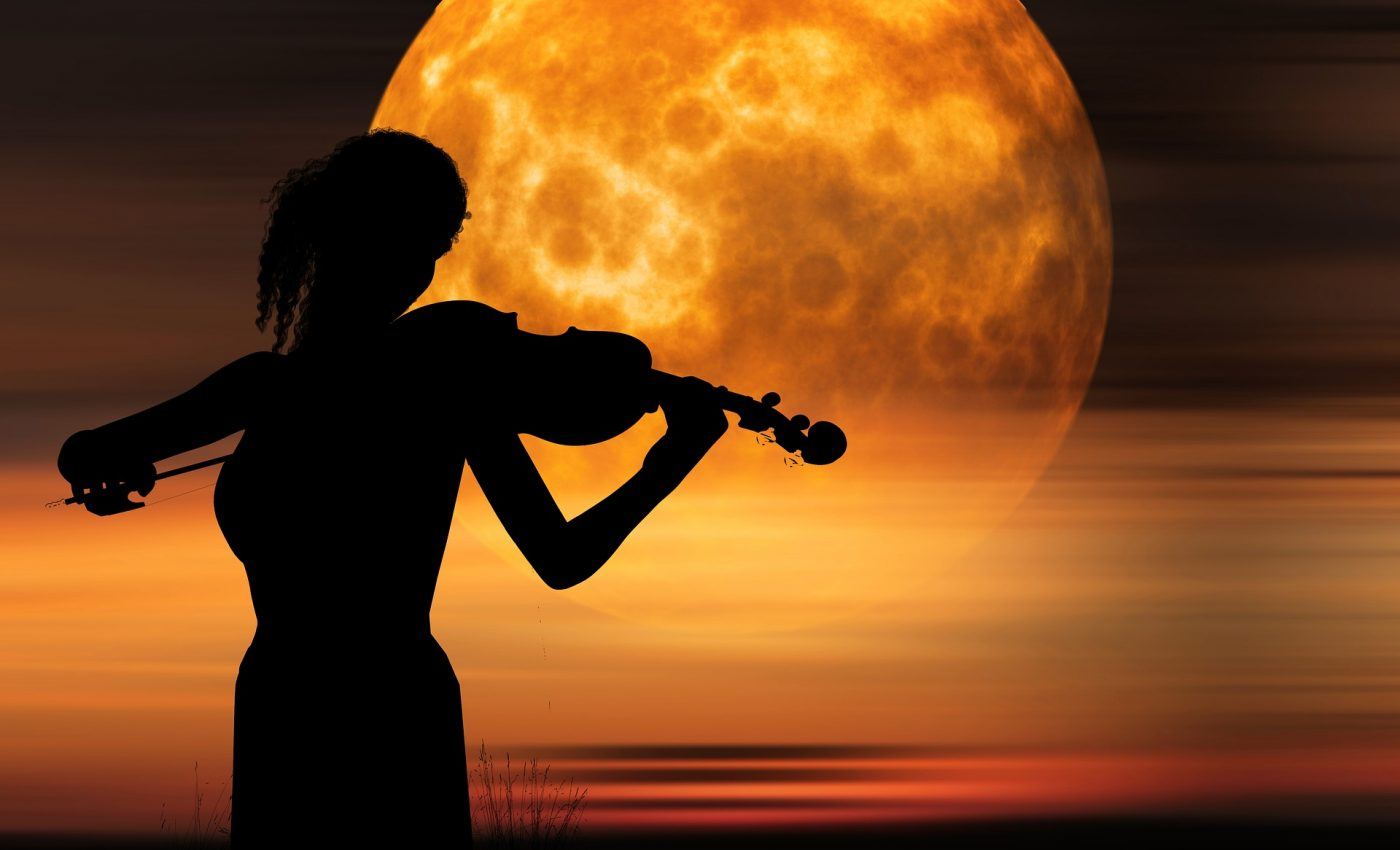muzica inspirata de Luna