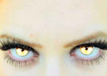 vampiri emotionali - sfatulparintilor.ro - pixabay_com - eye-732880_1920