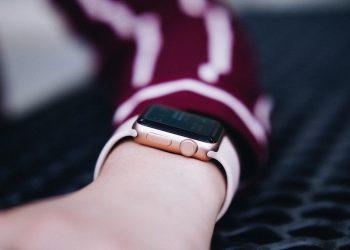 smartwatch pentru copii - sfatulparintilor.ro - maxwell-ridgeway-LJxH58Itv1c-unsplash