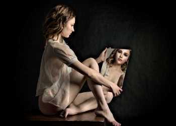 emotii rele - sfatulparintilor.ro - pixabay_com - girl-4310391_1920