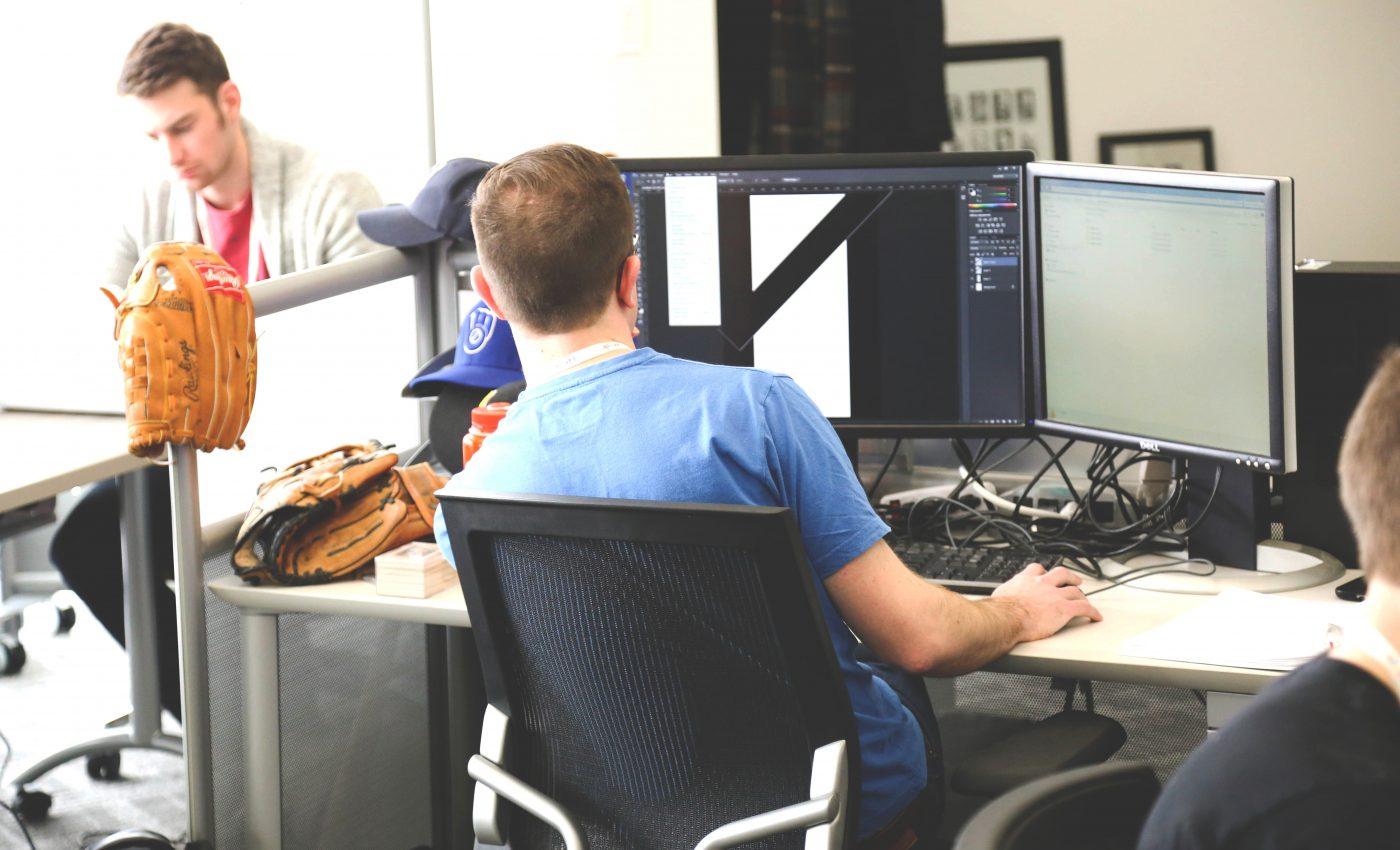 Cum iti protejezi spatele la birou