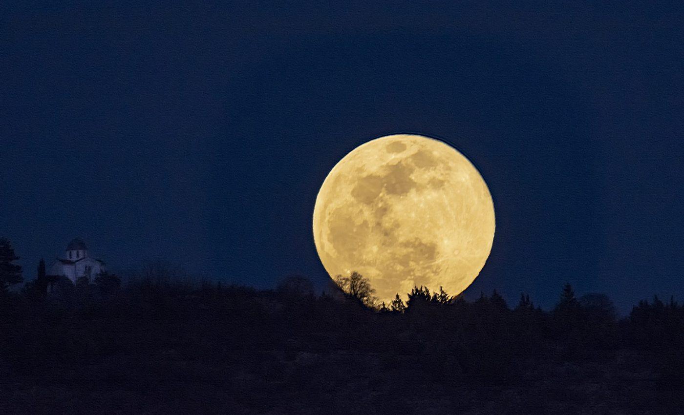 Horoscop Luna plina in Varsator 2020
