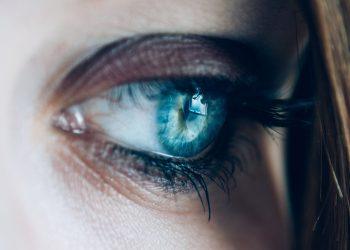 curiozitati despre ochi - sfatulparintilor.ro - pixabay _ com - close-up-1837213_1920