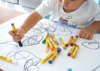 Ce inseamna cand copilul deseneaza nori - sfatulparintilor.ro - pixabay_com - oekaki-2009817_1920