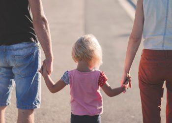 Cum sa le prezinti copiilor un nou partener - sfatulparintilor.ro - pixabay_com - affection-1866868_1920
