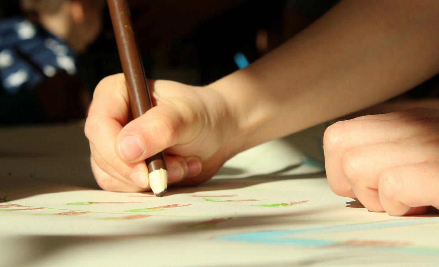 Semnificatia desenelor copiilor - sfatulparintilor.ro - pixabay_com - figure-4087887_1920