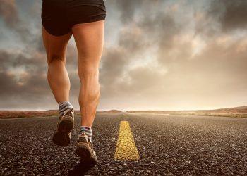 Cand este bine sa faci sport - sfatulparintilor.ro - pixabay_com - jogging-2343558_1920