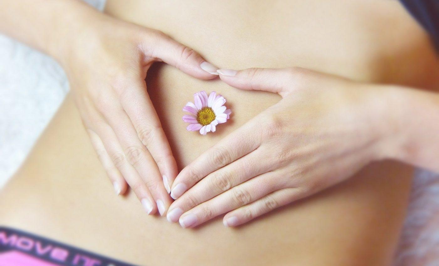 Ce sa faci cand te dor ovarele - sfatulparintilor.ro - pixabay_com - belly-3186730_1920