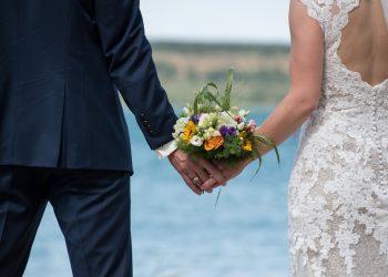 De ce nu trebuie sa vada mirele rochia miresei - sfatulparintilor.ro - pixabay_com - wedding-5462790_1920