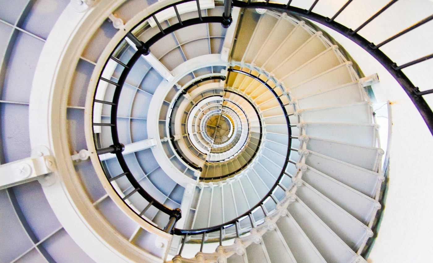 scala emotiilor abraham hiks - sfatulparintilor.ro - pixabay_com - stairs-839307_1920