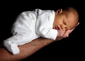 scutece pentru copiii născuți prematur - sfatulparintilor.ro - pixabay_com - baby-20339_1920