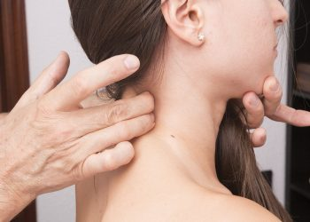 Ce boli vindeca reflexoterapia - sfatulparintilor.ro - pixabay_com - cervical-2441707_1920