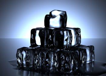 Dieta cu gheata - sfatulparintilor.ro - pixabay_com - ice-cubes-1224804_1920