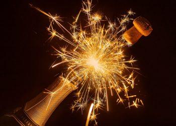 Evenimente astrologice IANURIE 2021 - sfatulparintilor.ro - pixabay-com - bottle-of-sparkling-wine-4734176_1920