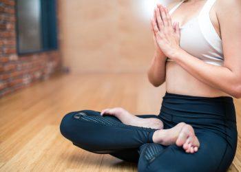 Beneficiile meditatiei - sfatulparintilor.ro - pixabay_com - yoga-3053488_1920