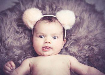 jumper bebelusi - sfatulparintilor.ro - pixabay- com - baby-1232248_1920