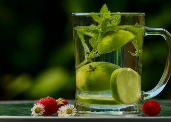 Dieta cu apa 3 zile - sfatulparintilor.ro - pixabay-com - drink-1487304_1920