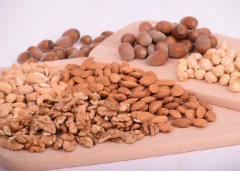 Dieta cu nuci - sfatulparintilor.ro - pixabay_com - nuts-3248743_1920
