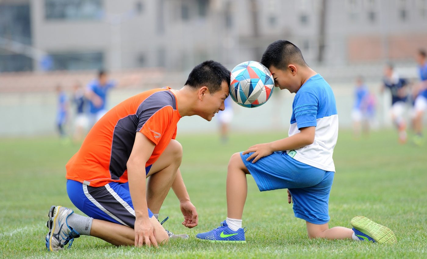 de ce fac copiii sport - sfatulparintilor.ro - pixabay_com - football-1533210_1920