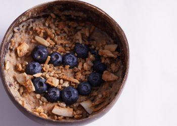 dieta cu energie - sfatulparintilor.ro - pixabay_com - smoothie-bowl-5973807_1920