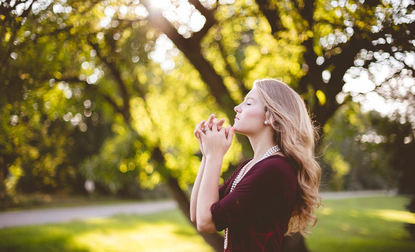 Cea mai puternica rugaciune pentru sanatate - sfatulparintilor.ro - pixabay_com - people-2604844_1920