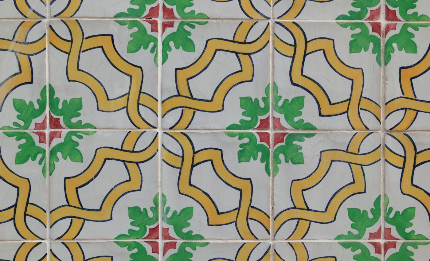 Cu ce se curata faianta - sfatulparintilor.ro - pixabay_com - portugal-1881890_1920