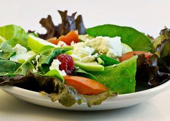 Dieta cu ore fixe - sfatulparintilor.ro - pixabay_com - salad-374173_1920