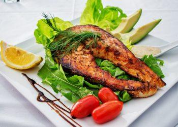 Dieta cu peste - sfatulparintilor.ro - pixabay_com - salmon-1485014_1920