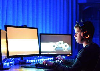 pericole pentru copii in jocurile online - sfatulparintilor.ro - pixabay_com - child-3264751_1920