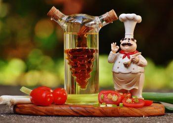 Cele mai sănătoase uleiuri pentru gătit - sfatulparintilor.ro - pixabay_com - cooking-1667844_1920