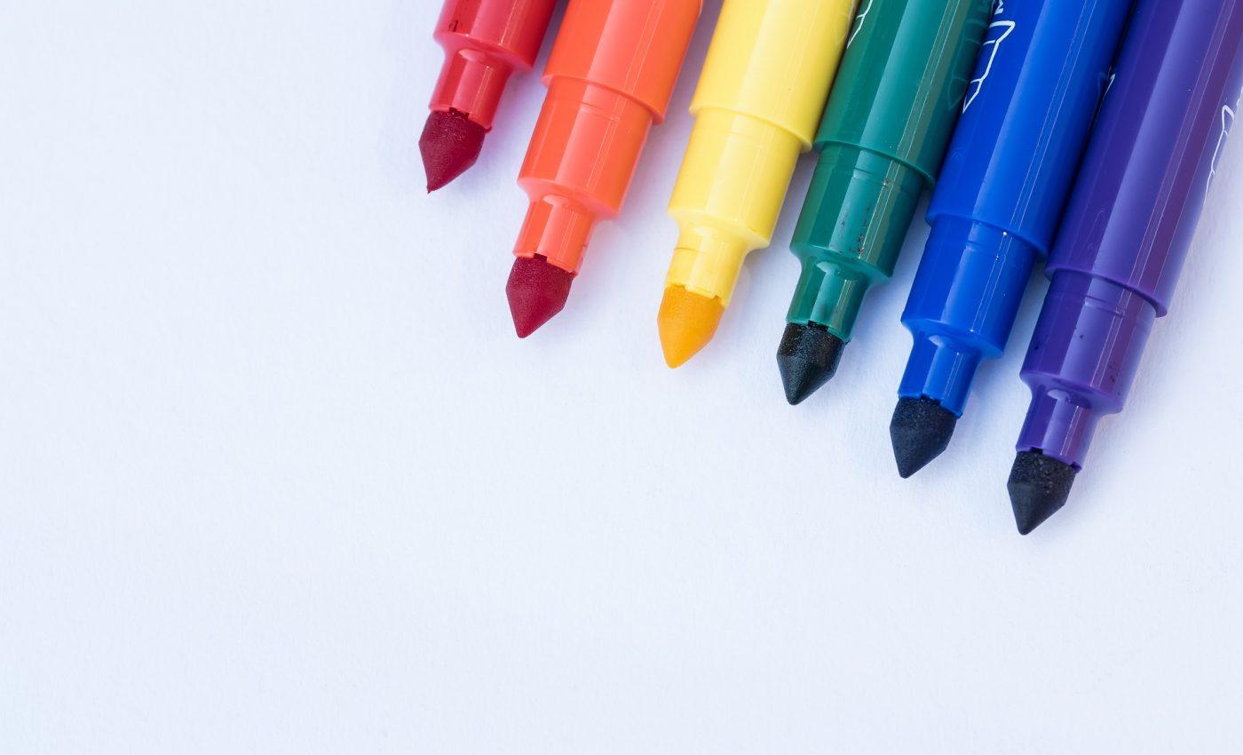 Cu ce se curata markerul permanent - sfatulparintilor.ro - pixabay_com - markers-3467508_1920