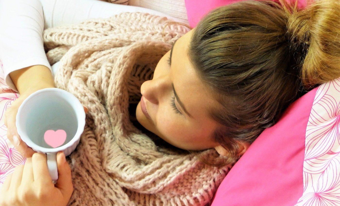 Raceala si gripa Remedii neobisnuite - sfatulparintilor.ro - pixabay_com - young-woman-2239269_1920