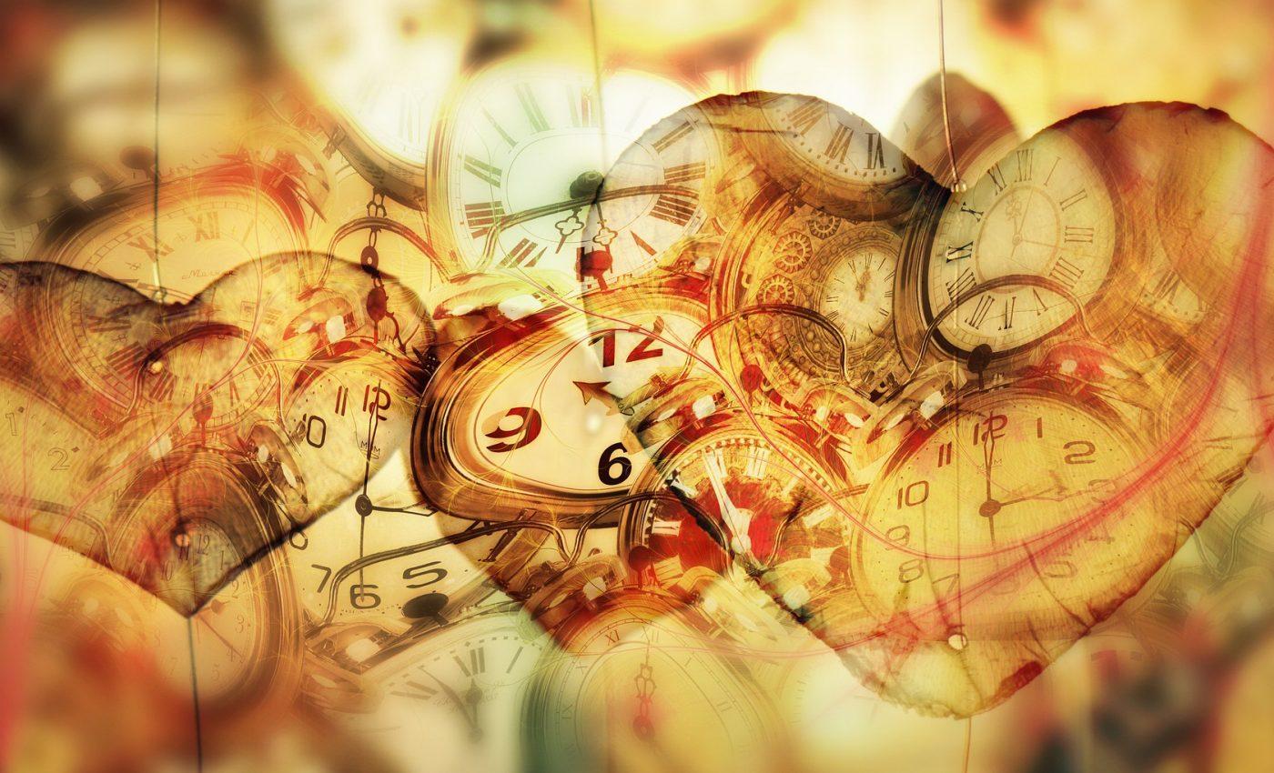 pasi sa lasi trecutul in trecut - sfatulparintilor.ro - pixabay-com - time-4904429_1920