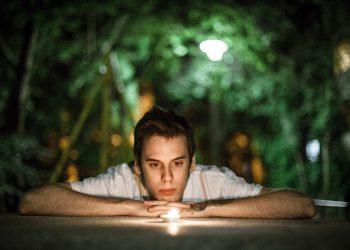 cum sa-ti vindeci ranile sufletului - sfatulparintilor.ro - pixabay_com - candle-1281245_1920