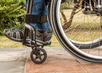 poveste despre credinta - sfatulparintilor.ro - pixabay-com - wheelchair-1595802_1920