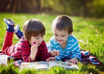 Cadouri pentru copiii pasionați de cărți