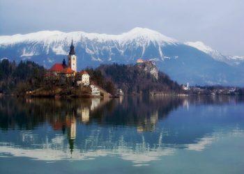 Ce să vizitezi în Slovenia - sfatulparintilor.ro - pixabay_com - blejski-otok-305902_1920