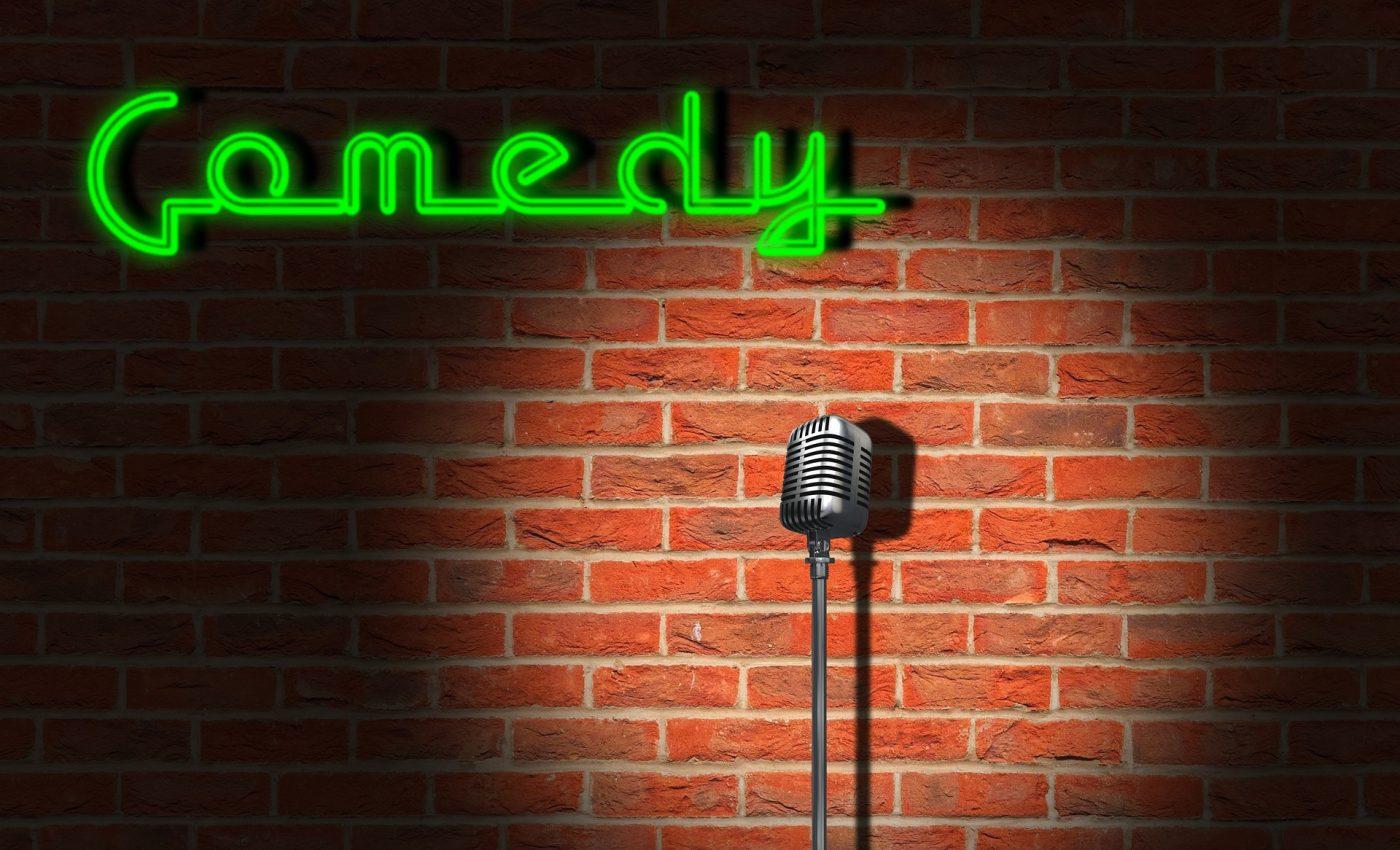 Cei mai buni actori de stand up comedy - sfatulparintilor.ro - pixabay_com - comedy-6054626_1920