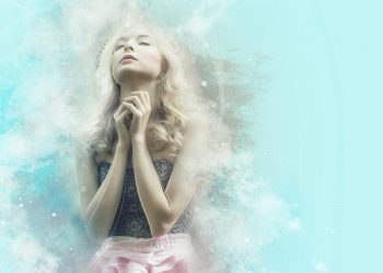 Cele mai puternice rugaciuni pentru iubire - sfatulparintilor.ro - pixabay_com - pray-1639946_1920