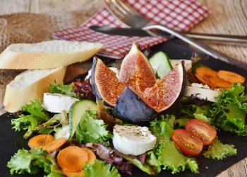alimente pe care sa le eviti cand esti bolnav - sfatulparintilor.ro - pixabay_com - salad-1672505_1920
