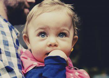 Cum sa ai grija de ochii copilului