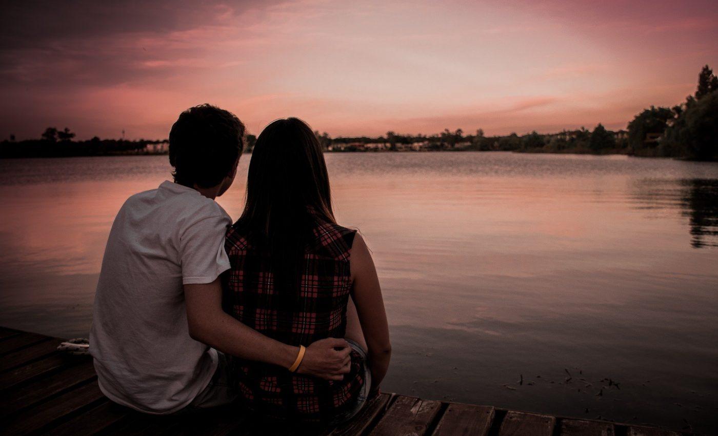 lucruri la care sa renunti - sfatulparintilor.ro - pixabay_com - couple-1209790_1920